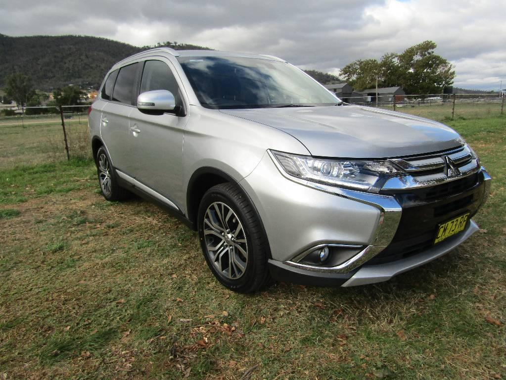 17 Mitsubishi Outlander ZK MY17 LS SAFETY PACK 4X4 5 SEATS
